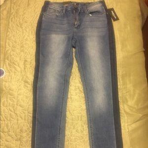 Kenneth Cole Jess Skinny Jeans NWT